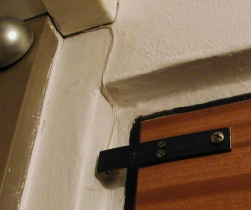 celkový pohled na dveřní spínač